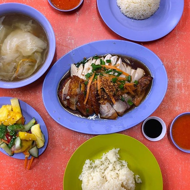 Delicious Boneless Chicken Rice - Chicken Rice Set for 2 Pax (💵S$15) .