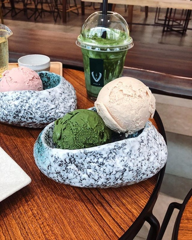 Okay - last one from our dessert binge 🤭 • • • • • •  #sgfood #sgfoodies #burpple #instafood_sg #sgcafe #sgig #igsg #exploresingapore  #bonappetit #vscoedit #agameoftones #thecreatorclass #createcommune  #foodvsco #f52grams #eeeeeats #huffposttaste #onthetable #buzzfeast #forkyeah #getinmybelly  #tastethisnext #eattheworld #foodandwine  #feedyoursoull #eatfamous #tastingtable #bestfoodworld #beautifulcuisines #dailyfoodfeed