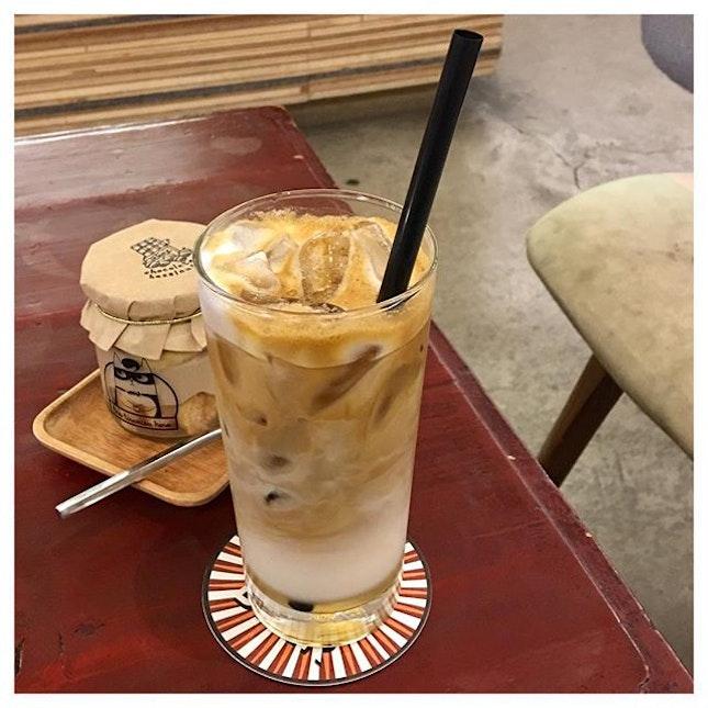 Iced Creme Brûlée Latte 💕 A dessert in a form of latte?