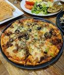 Seoul Beef Bulgogi Pizza ($21.50)