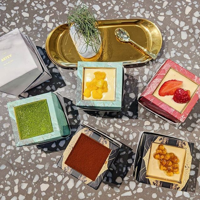 ARTEA 🍰🍹 Ytd was the launch of 8 new Tiramisu flavours and it's cubic shaped box packaging is PRETTY!