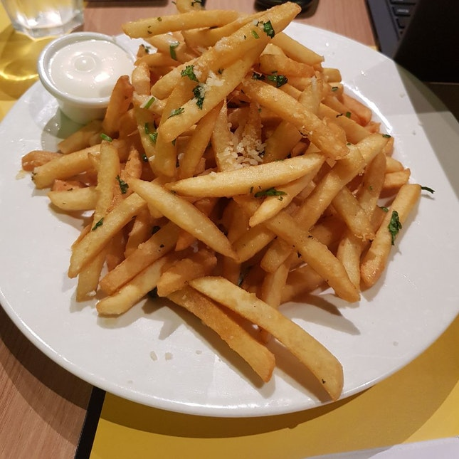 Truffle Parmesan Fries $12++