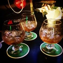 Hennessy night out 👭❤️😘👍🏼 cheers✌🏼️ #Hennessy #VSOP #hennessyvsop #icecoldbeersg #ICB #老地方 #annclar #veryengandfriends #cognac #TGIF #jasonyap