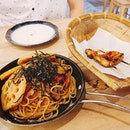 Wafu pasta and pork skewers✌🏼 mister can't wait again  #izabarsiglap #sgeastsiders