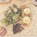 Poached Eggs with 🥑 avocado, pomegranate, portobello mushrooms and sesame seeds 🤤🤤 .