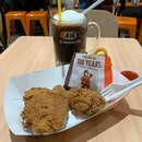 Simple Lunch earlier, A&W Chicken 🍗 , Waffle 🧇 and Rootbear Float 🍦 at AMK Hub  吃的是滿滿的回憶,而不是味道,追求的是那童年記憶。#ieatishootipost#hungrygowhere#instafood#foodporn#iweeklyfood#yummy#instagram#theteddybearman#eatoutsg#whati8today#yummy#eatoutsg#food#igfoodie#eatingout#eatstagram#sgfood#foodie#foodstagram#SingaporeInsiders#sgfoodie#sgfoodies#burpple#eatbooksg#burrplesg#awrestaurants#awrestaurantssg