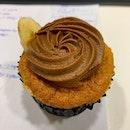 Chocolate 🍫 & Banana 🍌 Cupcake from @pvbakery #ieatishootipost#hungrygowhere#instafood#foodporn#iweeklyfood#yummy#instagram#theteddybearman#eatoutsg#whati8today#yummy#eatoutsg#food#igfoodie#eatingout#eatstagram#sgfood#foodie#foodstagram#SingaporeInsiders#sgfoodie#sgfoodies#burpple#eatbooksg#burrplesg#plainvanillabakery