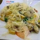 Putian Xin Hua Bee Hoon from PLQ Food Court for Dinner #ieatishootipost#hungrygowhere#instafood#foodporn#iweeklyfood#yummy#instagram#theteddybearman#eatoutsg#whati8today#yummy#eatoutsg#foodforfoodie#vscofood#igfoodie#eatingout#eatstagram#sgfood#foodie#foodstagram#SingaporeInsiders#100happydays#burpple#eatbooksg#burrplesg#putian#xinhuabeehoon