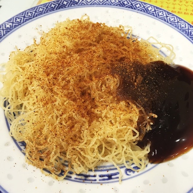 Tossed Noodles with Dried Shrimp Roe & Oyster Sauce.