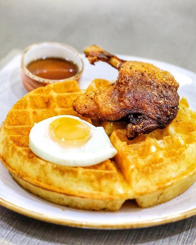Didn't get to try duck and waffles in London so we opted for this in Singapore.
