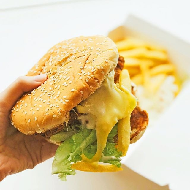 W19 Fried Chicken Burger (with fries & coleslaw) [S$4.90]  The burger is HUGE!