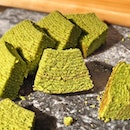 Baumkuchen Matcha [S$2.90] ・ Though it isn't as moist as compared to the other @MujiSG baumkuchens, the relatively bitter matcha fragrance got me hooked💚 ・ #Burpple #FoodieGohHarbourFront ・ ・ ・ ・ ・ #instadailyphoto #photooftheday #followme #picoftheday #follow #instadaily #food #yummy #foodstagram #foodgasm #sgfoodies #sgfoodie #dailyinsta #foodsg #singaporefood #whati8today #sgfoodporn #eatoutsg #8dayseat #singaporeinsiders #singaporeeats #sgfoodtrend #sgigfoodie #thisisinsiderfood #foodinsingapore #foodinsing