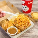 VM 1 pcs Chickenjoy with Jolly Spaghetti [S$7.00] Mashed Potato [S$1.50] ・ This understated looking chicken drumstick from @Jollibee is AWESOME!!👍🏻 (Omg, craving for this as I'm typing right now) The meat is tender, juicy and well seasoned😍 It's accompanied with mashed potato sauce dip, of which I prefer eating without it.