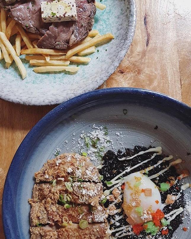 Almost forgot to post this atas food @paddyhills.sg 🍽🍽🍽 · #blackrice #steakfrites #friedchicken #foodlover #foodie #foodporn #foodphotography #foodiegram #finedining #paddyhills #paddyhillssg #westernfood #exploresingapore #burpple #burpplesg