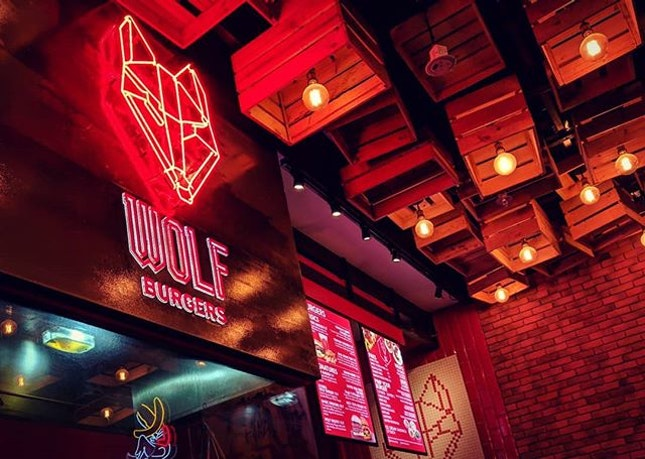 Magic Shrooms Burger @ Wolf Burgers, PasarBella : : #singapore #sg #igsg #sgig #sgfood #sgfoodies #food #foodie #foodies #burpple #burpplesg #foodporn #foodpornsg #instafood #gourmet #foodstagram #yummy #yum #foodphotography #sunday #weekend #suntec #pasarbella #burger #beef #fries #mushrooms #cheese #truffle #juicy