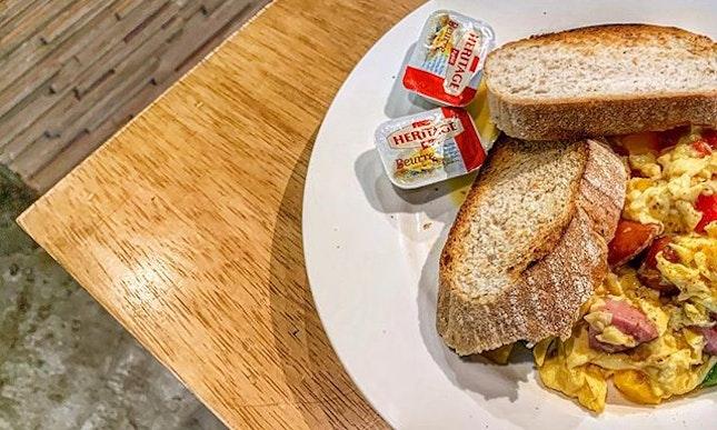 Cajun Scrambled Eggs with Toast : : #singapore #sg #igsg #sgig #sgfood #sgfoodies #food #foodie #foodies #burpple #burpplesg #foodporn #foodpornsg #instafood #gourmet #foodstagram #yummy #yum #foodphotography #sgcafe #sgcafes #sgcafefood #weekend #brunch #kithsingapore #eggs #sausage #toast
