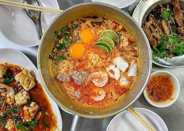 Sawadee 🙏🏻 , it's Supper Time in BKK @ Jeh O Chula : : #thailand #th #thai #bangkok #bkk #thaifood #food #foodie #foodies #burpple #foodporn #instafood #gourmet #foodstagram #yummy #yum #foodphotography #supper #jeho #tomyum #seafood #pork #noodles #duck #squid #weekend