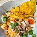 @ Kuay Teow Khae -Street Noodle Soup, Khwaeng Silom : : #thailand #th #thai #bangkok #bkk #thaifood #food #foodie #foodies #burpple #foodporn #instafood #gourmet #foodstagram #yummy #yum #foodphotography #weekday #tuesday #holiday #lunch #pork #noodles #dry #streetfood #kuayteowkhae