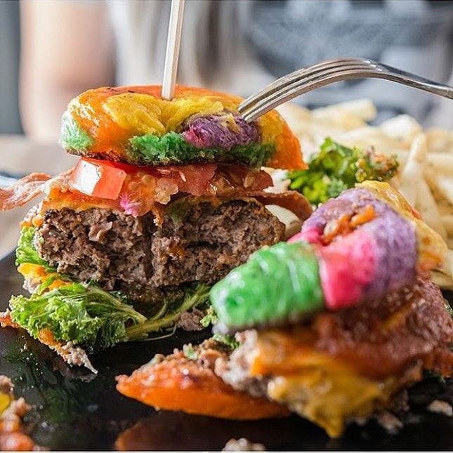 [New review] *Word Bistro Review: Halal Cafe With Rainbow Burgers At Upper Thomson* ~ We've heard of rainbow bagels, but what about a RAINBOW BURGER ($20+) with the juiciest patty and a side of fries?