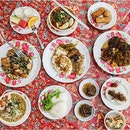 Hidden within NUS, Chilli Padi Nonya Cafe offers a Peranakan Buffet lunch at $18.80++ on weekdays!