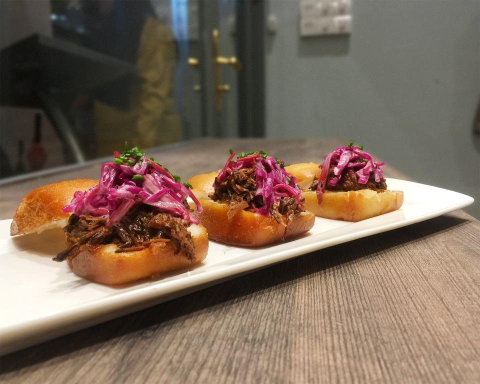 Pulled Beef Mantou Sliders