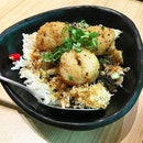 My mini scallop rice bowl to fill my tum tum up cos I need extra carbo.