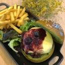 Matcha Bun Beef Burger