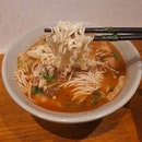 麻辣燙!😋 Getting my mala tang craving satisfied cos sudden realization that 🇰🇭 probably don't have mala 😅😂 But it's okay, I have a long list of Khmer cuisine that I can't wait to try!!!