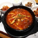 Flavourful kimchi-jjigae😍😋 #김치찌개 Finally completed most of the key events in December✌🏻 Got to cherish the last two weeks of 2018 ❤️ 抓住2018年的尾巴, 好好珍惜剩下的兩週, 準備好迎接2019年!