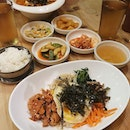 Cravings satisfied with Korean comfort food - Bibimbap & Chicken Ramyeon 😍😋 #비빔밥 #라면 #반찬