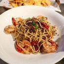 Flavourful Prawn and Seaweed Aglio Olio at Harry's!