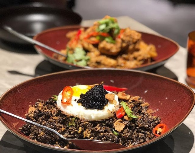 This Sambal Buah Keluak fried rice ($22++) was coated generously in the black gold from the seeds and every mouthful left us wanting more 🤤 I mean, just check out that huge topping of Buah Keluak!!