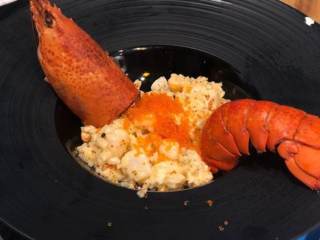 Lobster Risotto 🦞🍛😋 Creamy risotto with succulent lobster and scallop chunks, Prawn and tobiko, cooked in flavourful lobster broth!
