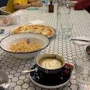 Amazing Laksa Pizza and Prawn Linguine