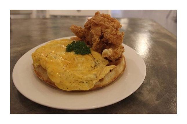 Chicken Waffle (RM 22) 🌟🌟🌟🌟 .