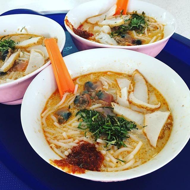Sungei Road Laksa ($3 a bowl).