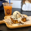 Craving for a nice cold dessert to beat the sweltering heat.