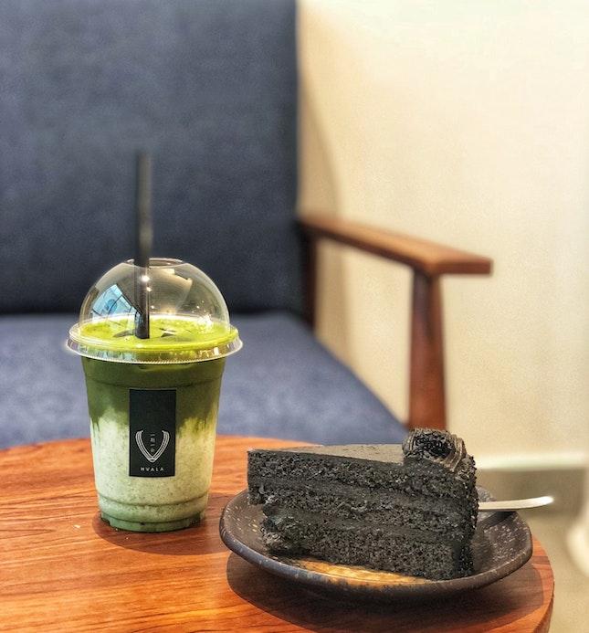 Goma & Matcha Latte