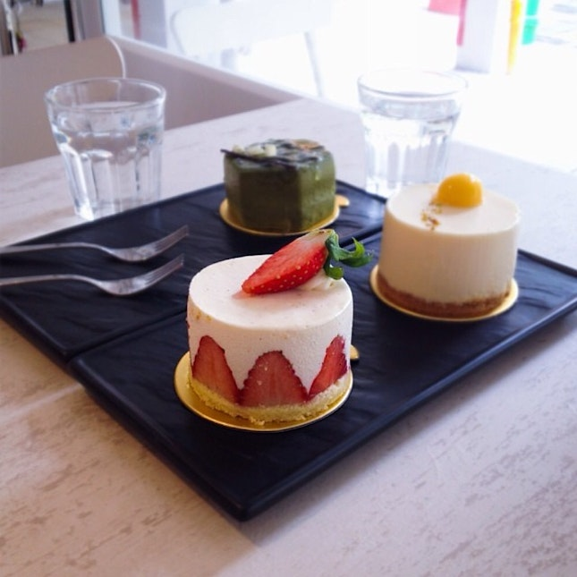 More for brunch, we head to Audacious Cakery for strawberry shortcake, faith and zacharie.
