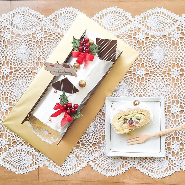 A Christmas logcake ☃ with an Asian twist!