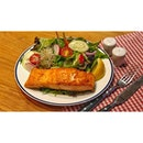 | 🐟 Grilled Salmon Filet for TGIF 。...