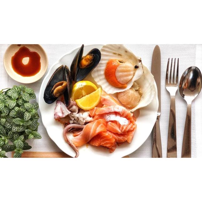 | 🍽 Indulging Atas Hotel Buffet Lunch。...