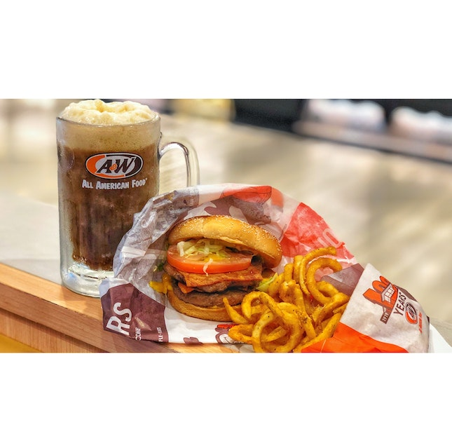 | 🍺 Finally Indulging in A&W !...