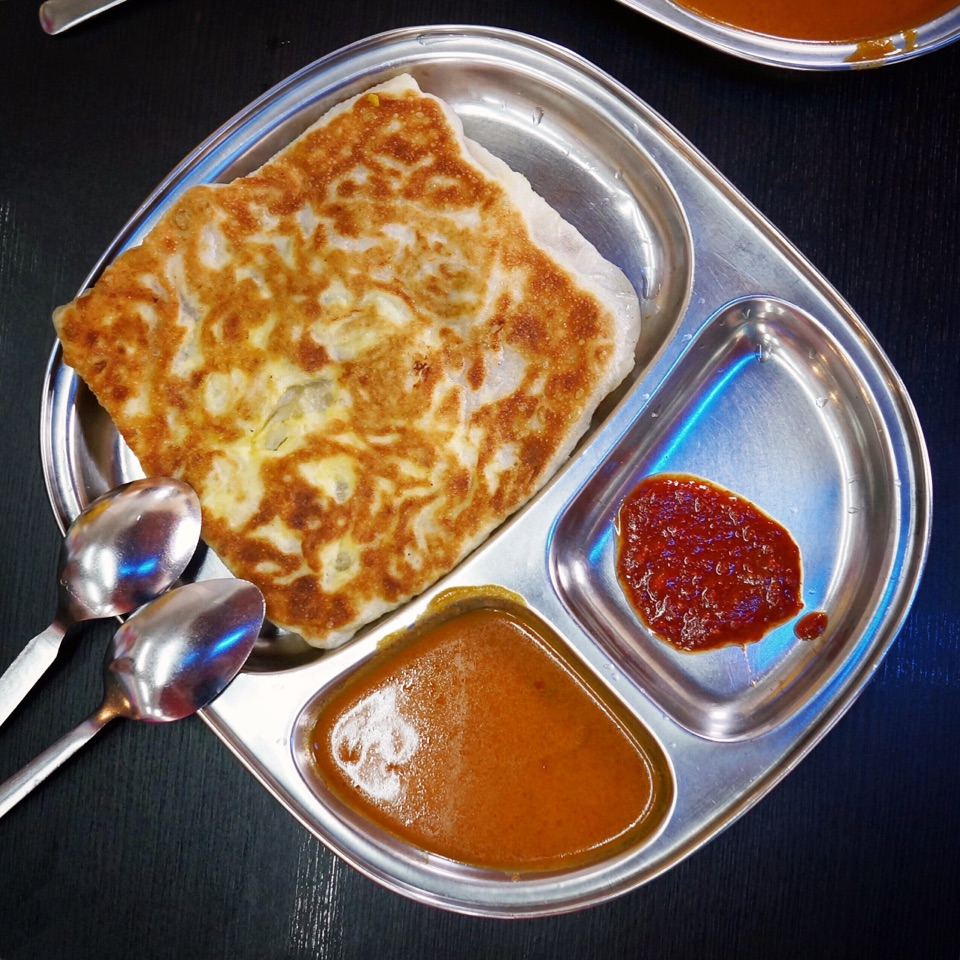 Egg Onion Prata ($2)