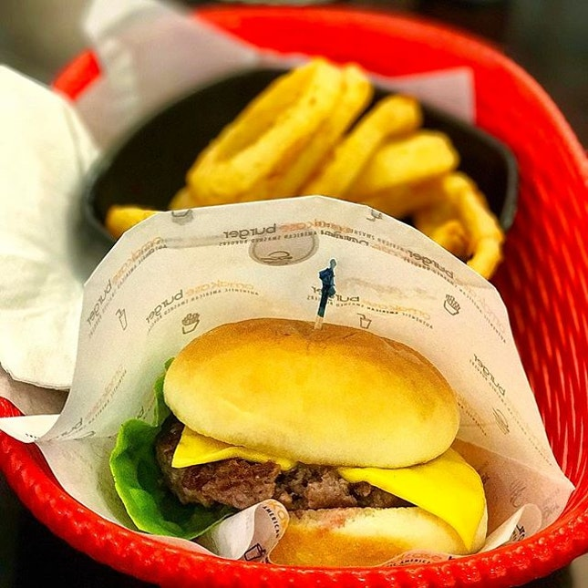 Omakase Cheeseburger This piece of burger might not have the most ingredients like eggs, bacon, might not be the thickest patty, might not be stack the highest, might not have all kinds of sauces,..