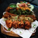 Pavilion Tandoori Platter for 4 From the folks that brought you Zaffron Kitchen and Prata Wales, it's no wonder @pavilionbananaleaf delivers Indian food with high standard and quality!