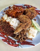 Nasi Lemak Mizzy Corner Nasi Lemak seems to benefit the most after CV had a huge renovation which results in their stalls being swap with the 'international one'.