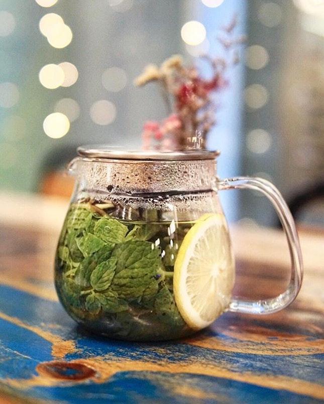 Spear Mint Tea Plenty of tea choices to choose from @walkingonsunshine.sg.
