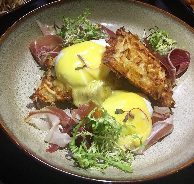 Truffle Eggs Rosti (SGD$19.00) for Sunday, feeling the creamy eggs flowing smoothly into the throat with a delicious burst of earthly truffle aroma.