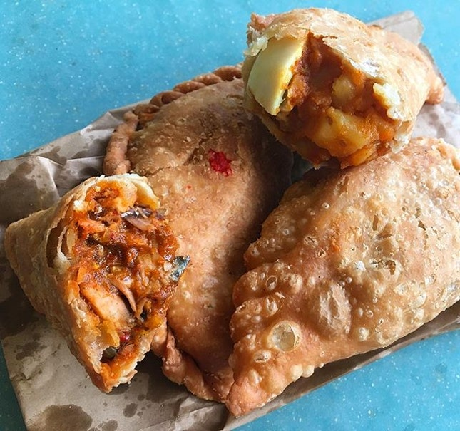 Dapur Minang Curry Puff ($1).